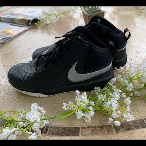 Nike Shoes - Nike Team Hustle 07 Black Youth Sneakers  6.5